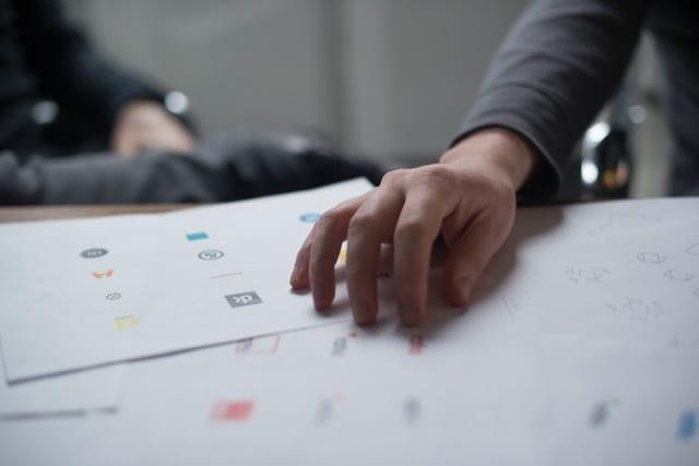 Freelancer Designing Logo